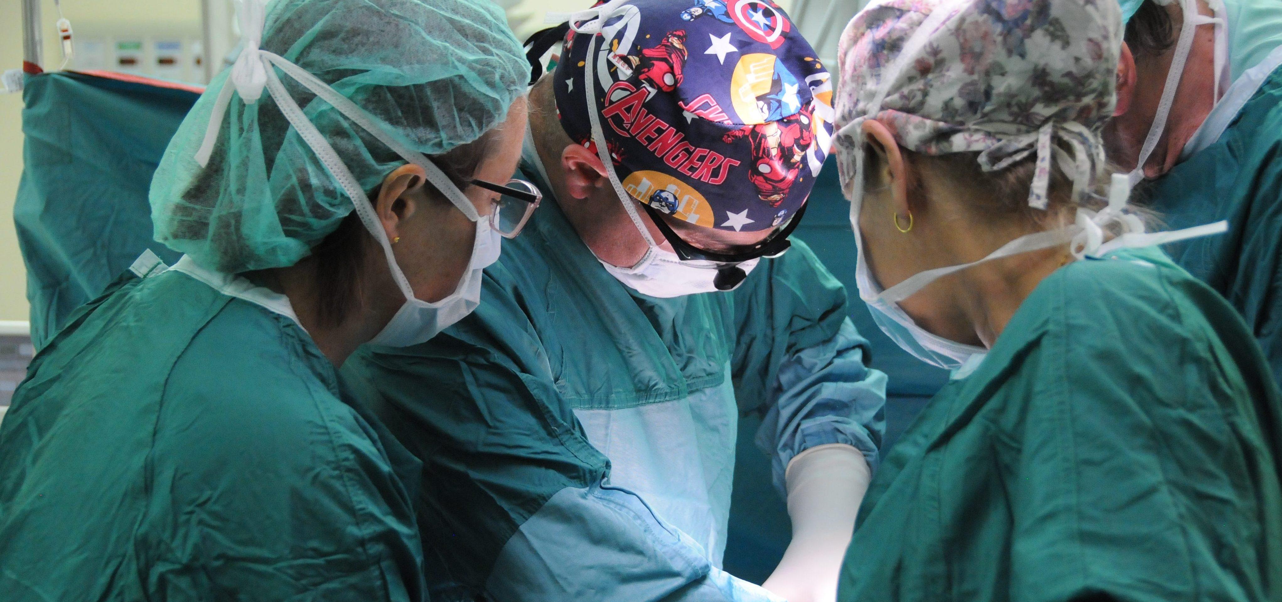 من الناصرة تأتي البشارة عمليّات ولادة قيصريّة طلائعيّة في مستشفى الناصرة- الإنجليزي