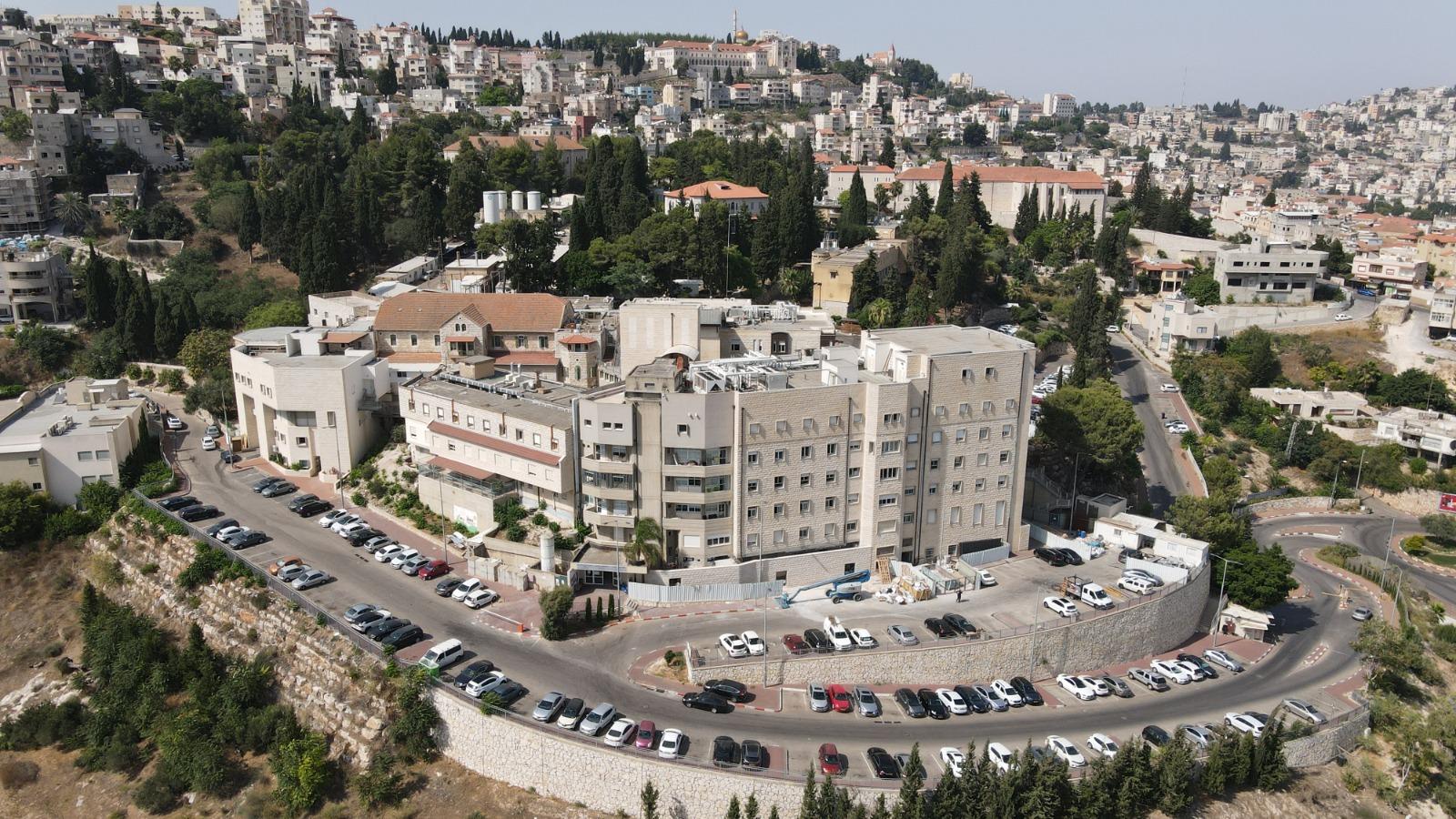 مستشفى الناصرة الانجليزي يتصدر قائمة المستشفيات في النموذج المحفز لمنع العدوى لسنة 2020